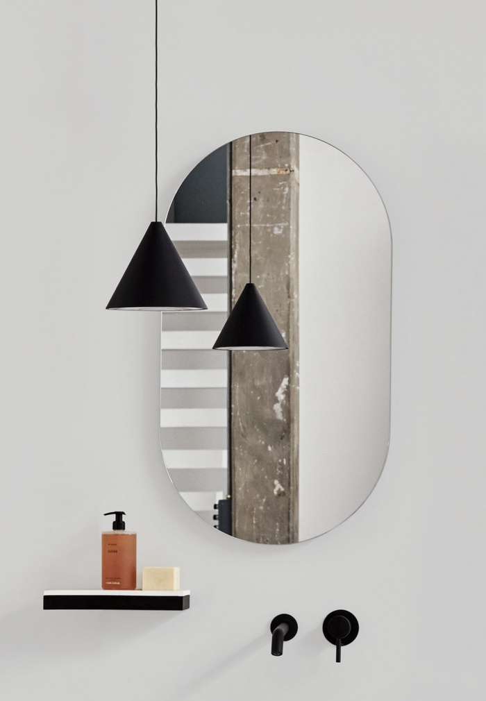 Cielo_oval mirror_marketing2